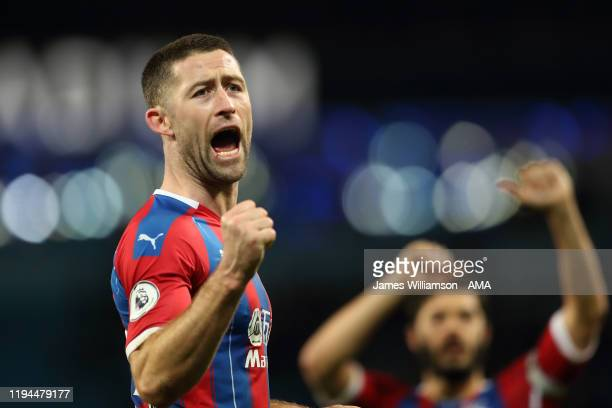 Gary Cahill of Crystal Palace celebrates at full time of the Premier League match between Manchester City and Crystal Palace at Etihad Stadium on...