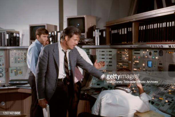 Gary Collins Robert Culp appearing in the ABC tv movie 'Houston We've Got a Problem'