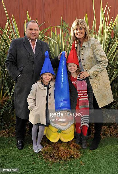 Gary Farrow Elkie Anatt Grace Farrow and Jane Moore attends the Gnomeo Juliet premiere at Odeon Leicester Square on January 30 2011 in London England