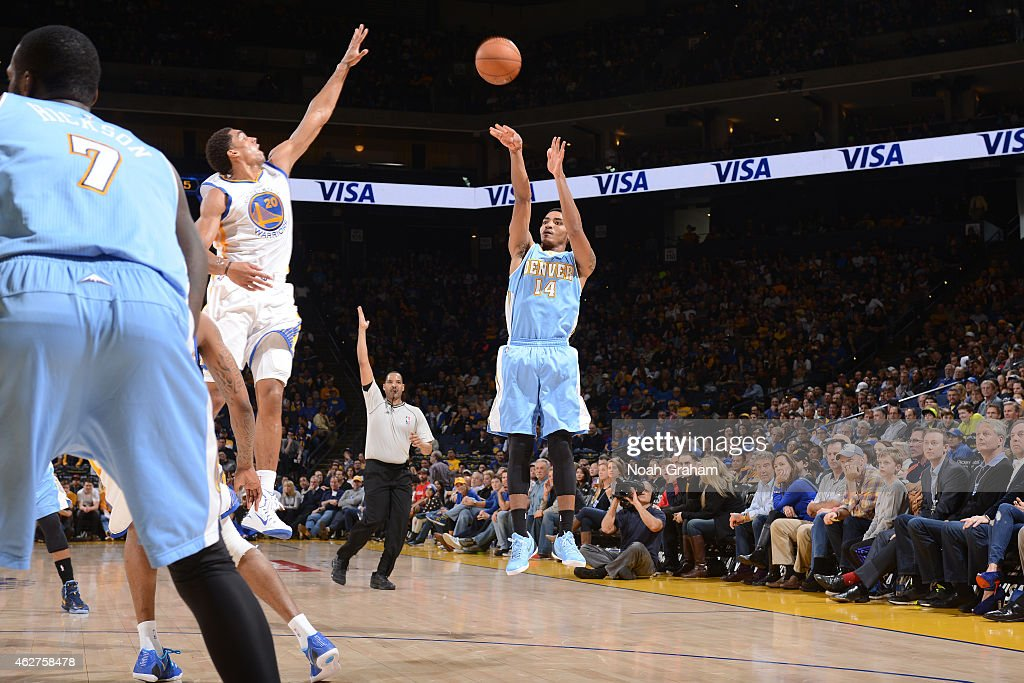 Gary Harris #14 of the Denver Nuggets shoots against the Golden State Warriors on January 19, 2015 at Oracle Arena in Oakland, California.
