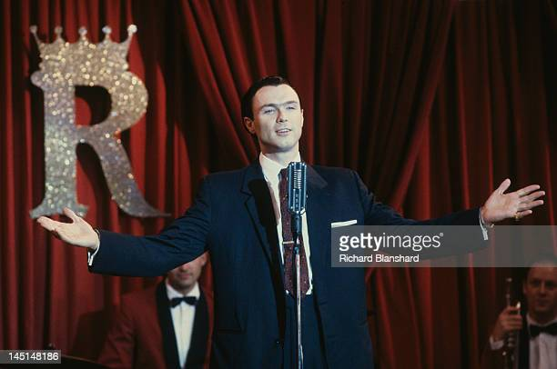 Gary Kemp as British gangster Ronnie Kray in a scene from 'The Krays' directed by Peter Medak 1990