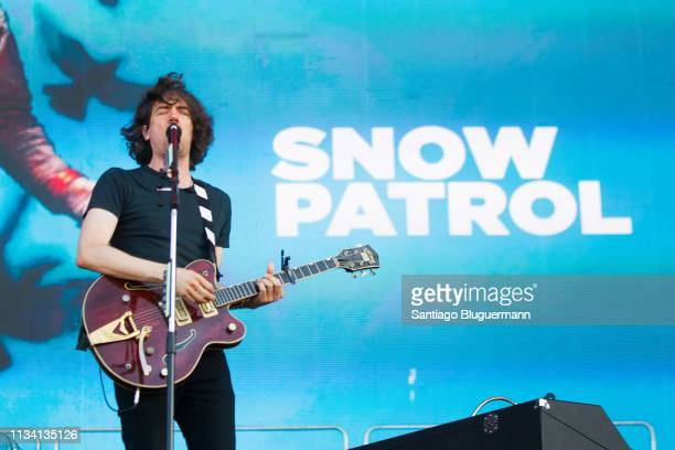 Gary Lightbody of Snow Patrol performs during the third day of Lollapalooza Buenos Aires 2019 at Hipodromo de San Isidro on March 31, 2019 in Buenos...