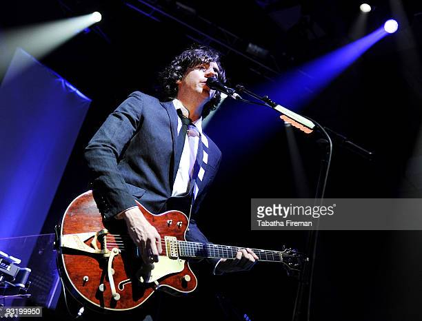 Gary Lightbody of Snow Patrol performs on stage at the Brighton Centre on November 18, 2009 in Brighton, England.