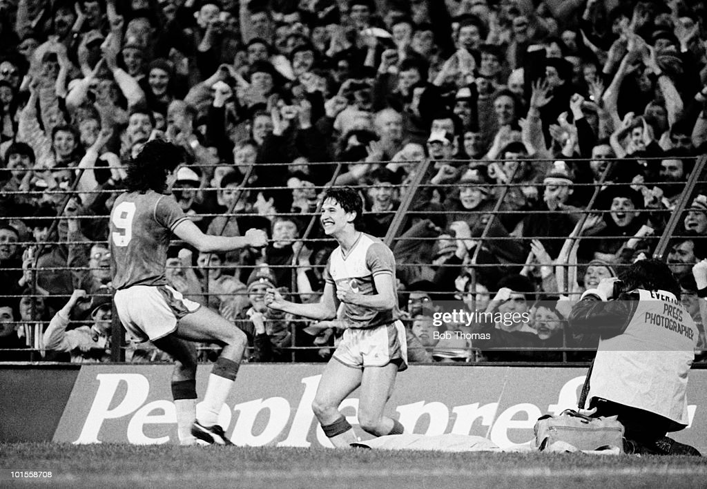 Gary Lineker of Everton celebrates his goal with team-mate Paul Wilkinson (left) during the Everton v West Ham United Division 1 match played at Goodison Park, Liverpool on the 5th May 1986. Everton won the match 3-1.