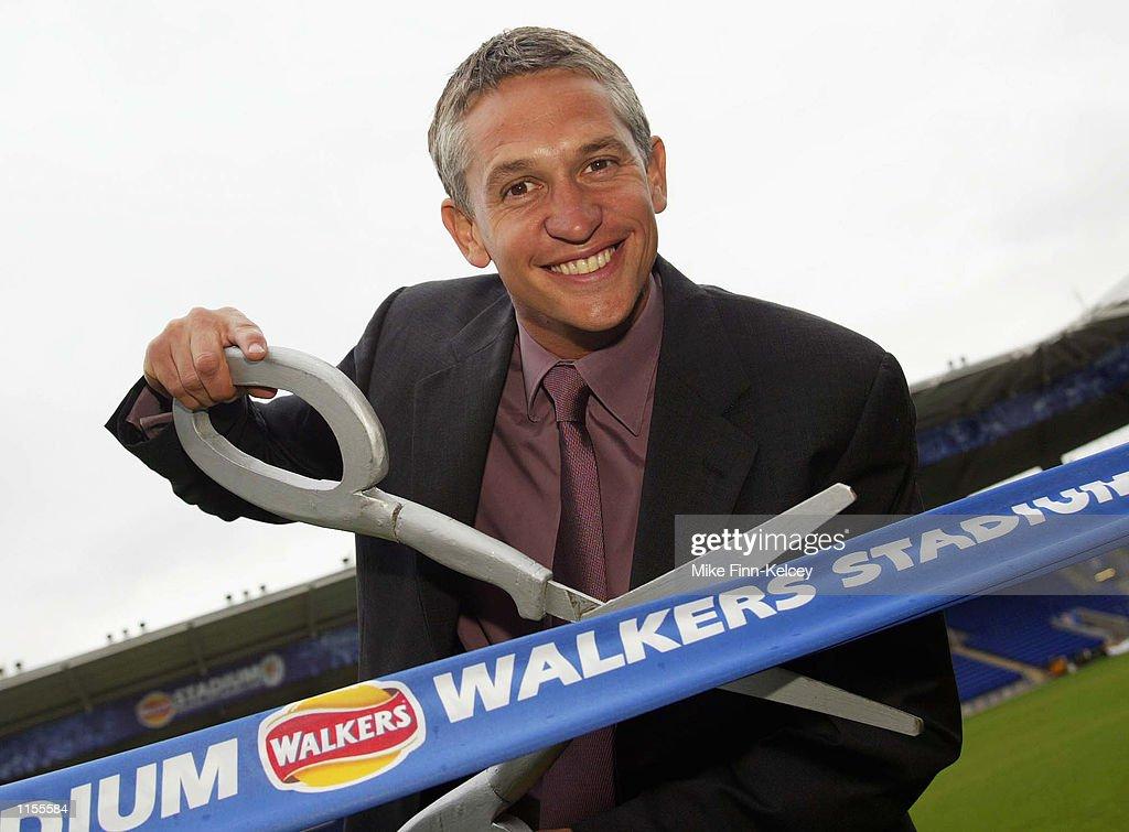 Lineker opens the Walkers Stadium : News Photo