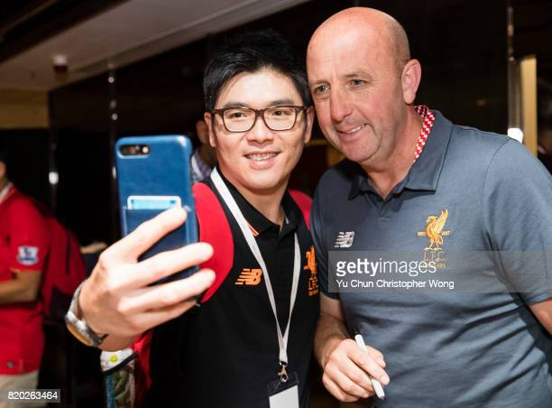 Gary McAllister Legend of Liverpool pose for photo with fans during a Liverpool FC Meet Greet at Ritz Carlton hotel on July 21 2017 in Hong Kong Hong...