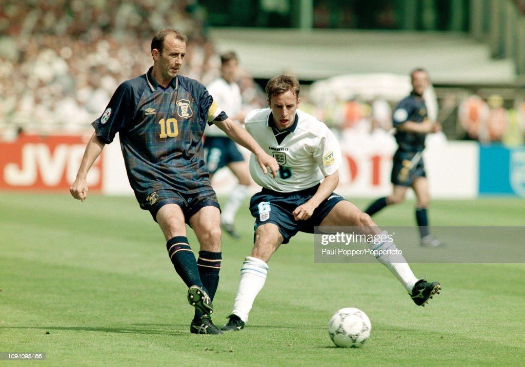 England v Scotland - UEFA Euro 1996 Group A : News Photo