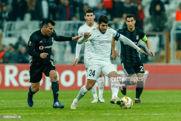 Gary Medel of Besiktas and Alejandro Pozuelo of KRC Genk battle for the ball during the UEFA Europa League Group I match between Besiktas and KRC...