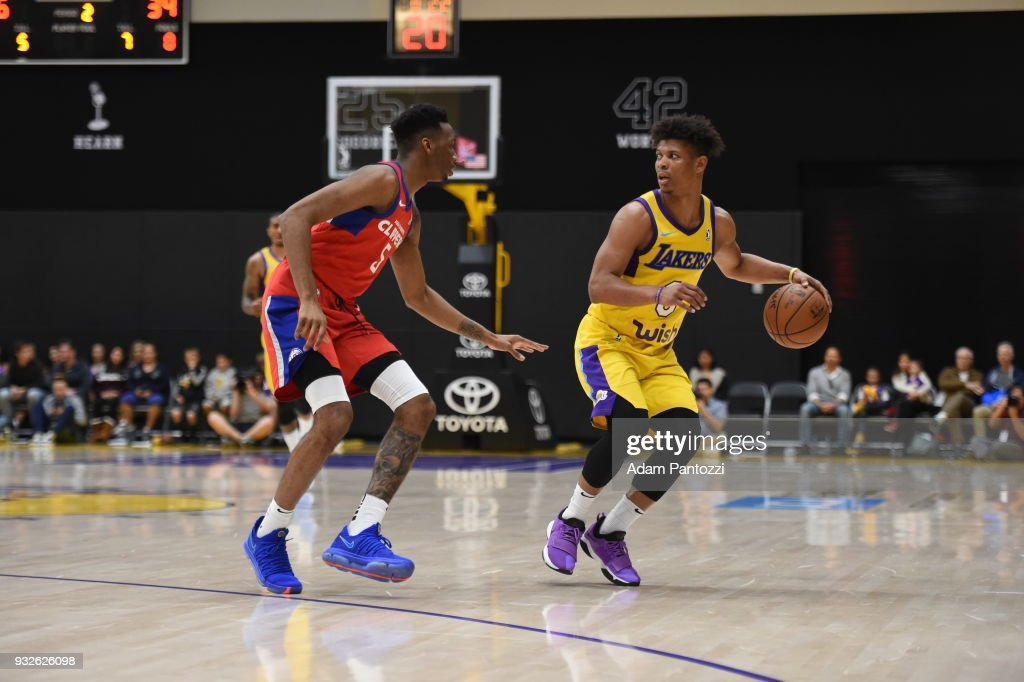 Gary Payton II of the South Bay Lakers jocks for a position against ... 5316f68fa
