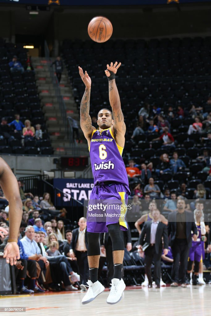 Gary Payton II of the South Bay Lakers shoots the ball against the ... 614ec897c