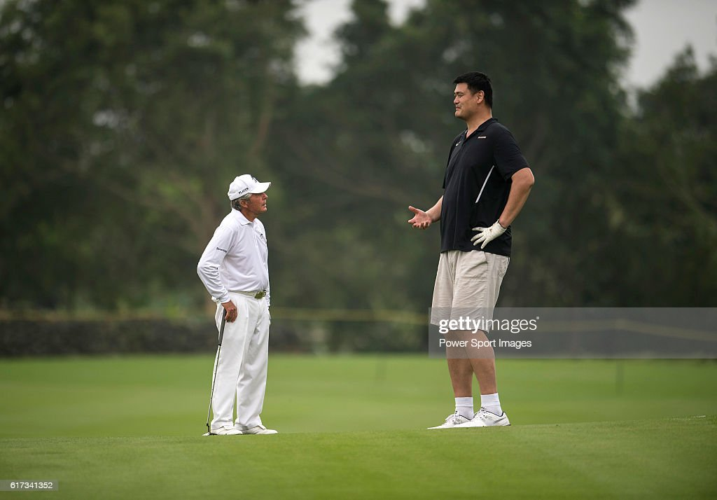Gary Player (left) and Yao Ming (right) during the World Celebrity Pro-Am 2016 Mission Hills China Golf Tournament on 23 October 2016, in Haikou, Hainan province, China.