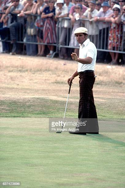Gary Player encourages his ball to stop rolling