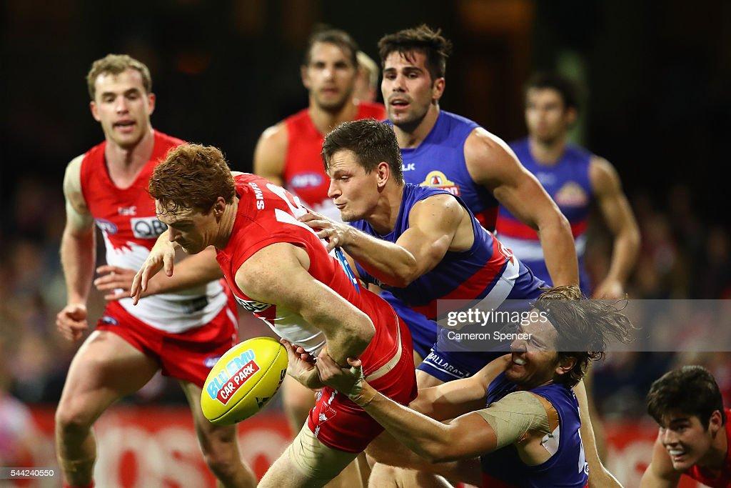 AFL Rd 15 - Sydney v Western Bulldogs : News Photo