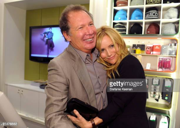 Gary Shandling and Leslie Mann attend the launch of the 2009 Pink Croc Collection to benefit the Breast Cancer Research Foundation held at the...