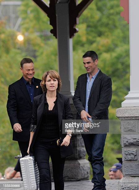 Gary Sinise Anna Belknap and Eddie Cahill filming on location for 'CSI NY' on October 3 2012 in New York City
