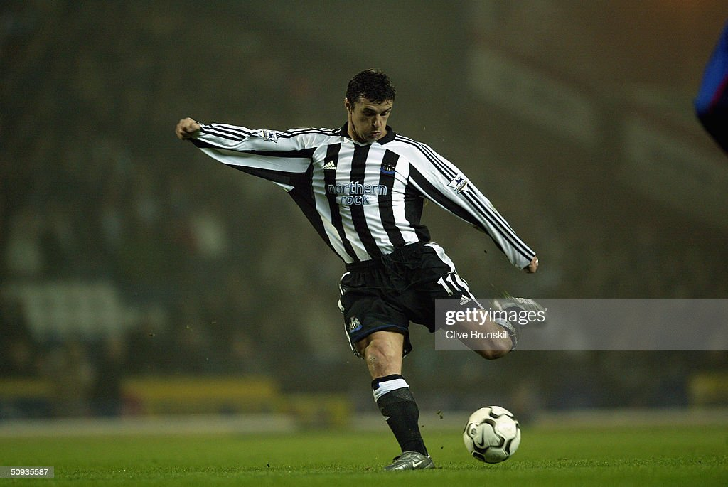 Gary Speed of Newcastle United : News Photo