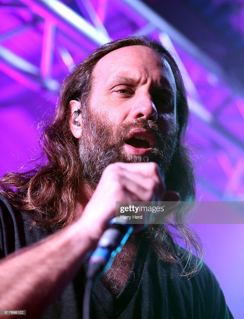 Gary Stringer of Reef performs at Engine Rooms on March 26, 2016 in Southampton, England.