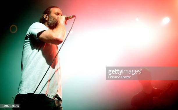 Gary Stringer of Reef performs live on stage at O2 Academy Manchester on May 4 2018 in Manchester England