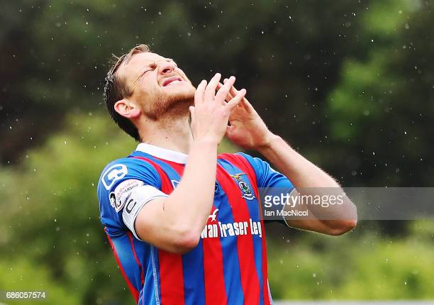 Gary Warren of Inverness Caledonian Thistle reacts during the Ladbrokes Premiership match between Inverness Caledonian Thistle and Motherwell at the...