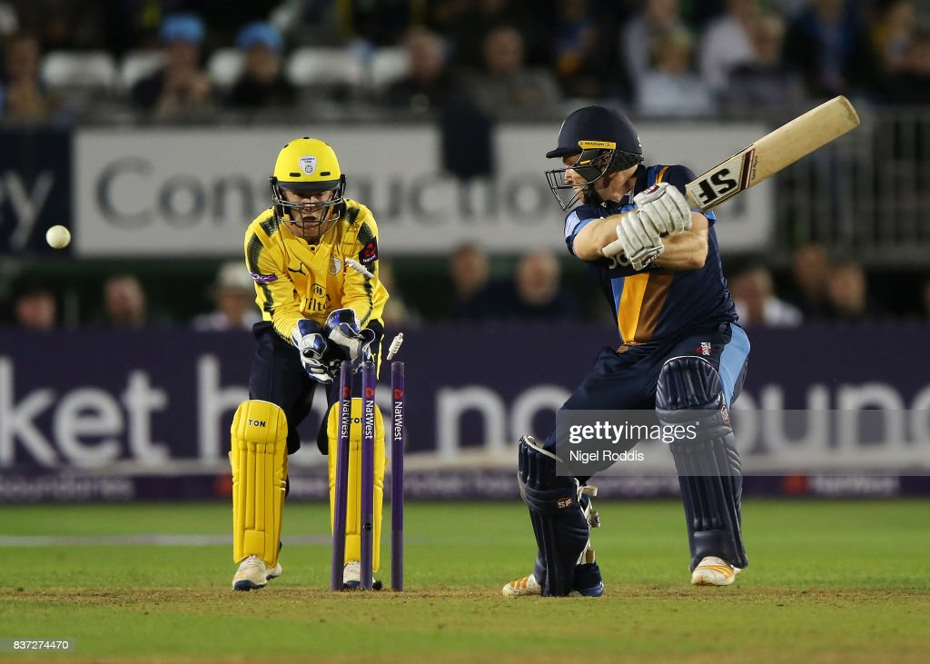 Gary Wilson (R) of Derbyshire Falcons is bowled out by Liam Dawson of Hampshire during the NatWest T20 Blast at The 3aaa County Ground on August 22, 2017 in Derby, England.
