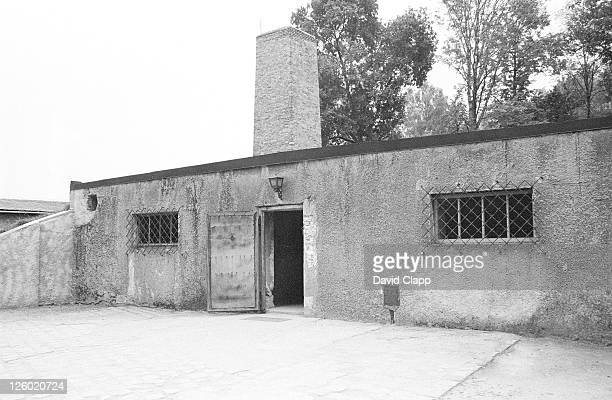 gas chamber showing chimney, birkenau concentration camp, auschwitz, poland - birkenau stock pictures, royalty-free photos & images