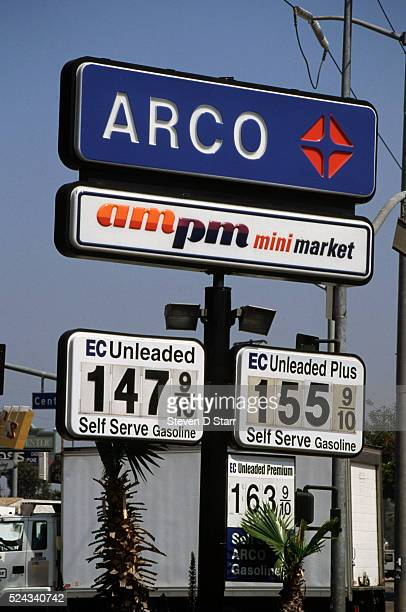 Gas prices in Los Angeles reach a level not seen since the Persian Gulf War