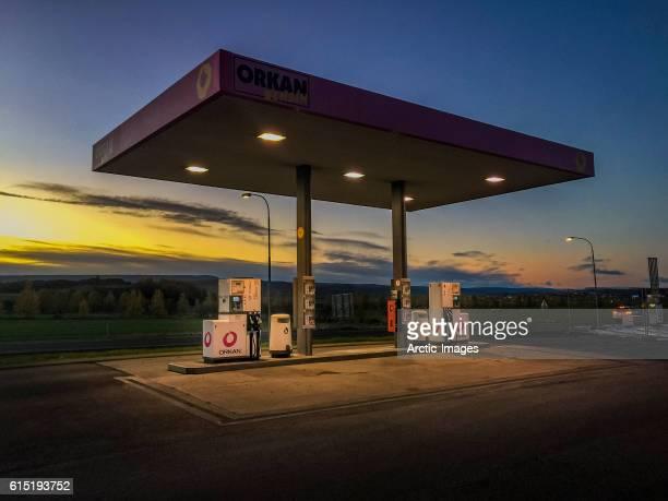 gas station at sunset - distributore di benzina foto e immagini stock