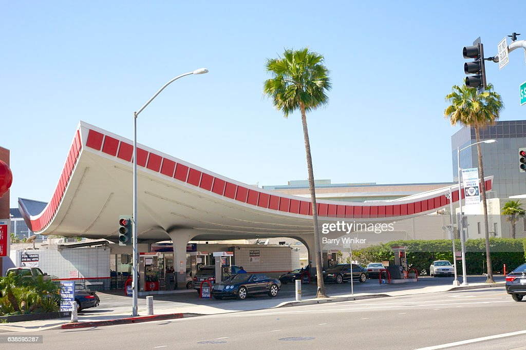 Gas station with curved canopy Beverly Hills  Stock Photo & Gas Station With Curved Canopy Beverly Hills Stock Photo | Getty ...