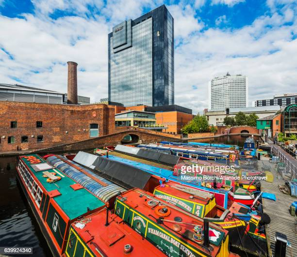 gas street basin area (a canal basin in the centre of the town), typical boats in a canal - birmingham england stock pictures, royalty-free photos & images