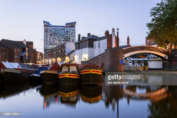 gas street basin, canal, birmingham, england - birmingham england stock pictures, royalty-free photos & images