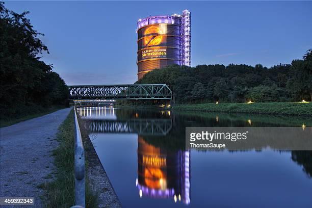 gasbehälter oberhausen - oberhausen stock-fotos und bilder