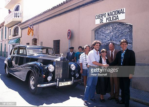 Gaspar Cano Anja Jaenicke Ivan Desny Alfons Haider Touristen ZDFSerie Hotel Paradies Folge 22 Das Hochzeitsfoto Insel Mallorca Balearen Spanien...