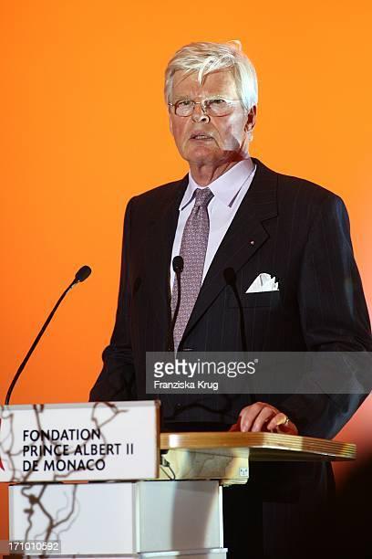 Gastgeber Honorarkonsul Des Fürstentums Monaco Für Das Land Nordrhein Westfalen Dr Bernd Kunth Beim Fundraising Dinner In Der K21 Kunstsammlung...