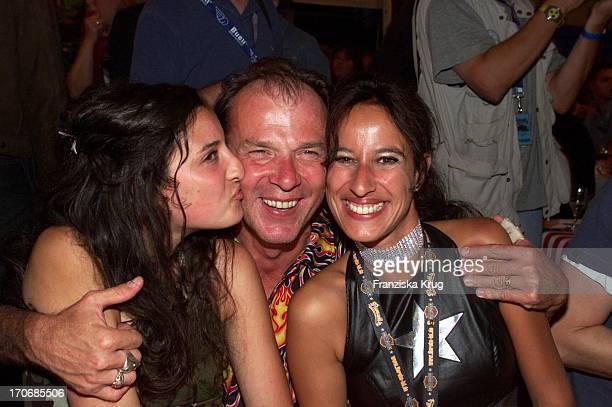 Gastgeber Wolfgang Fierek Bei Der Harley Davidson Party Mit Ehefrau Djamila Fierek Und Schwägerin Anissa Mendil