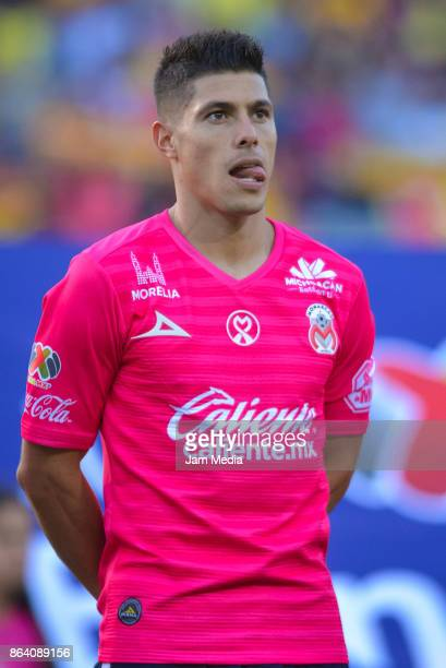 Gaston Lezcano of Morelia looks on during the 14th round match between Morelia and Leon as part of the Torneo Apertura 2017 Liga MX at Morelos...