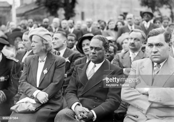 Gaston Monnerville à l'inauguration du monument à la mémoire de Victor Schoelcher, à Houilles, France en 1948.