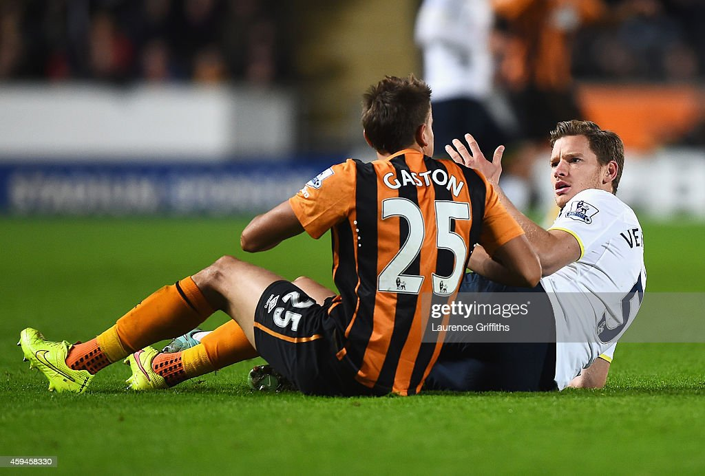 Gaston Ramirez of Hull City challenges Jan Vertonghen of Tottenham Hotspur leading to his sending off during the Barclays Premier League match between Hull City and Tottenham Hotspur at KC Stadium on November 23, 2014 in Hull, England.