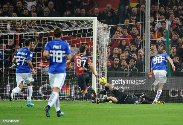 Gaston Ramirez of Sampdoria scores the goal 01 during the Serie A match between Genoa CFC and UC Sampdoria at Stadio Luigi Ferraris on November 4...