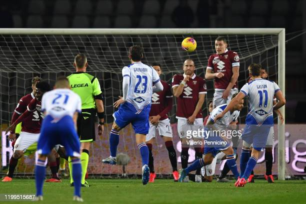 Gaston Ramirez of UC Sampdoria scores a goal during the Serie A match between Torino FC and UC Sampdoria at Stadio Olimpico di Torino on February 8...