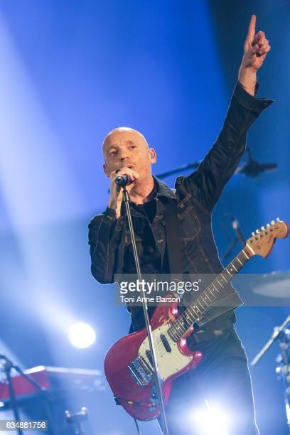 """Gatan Roussel of Louise Attaque performs during the """"32nd Victoires de la Musique 2017"""" at Le Zenith on February 10, 2017 in Paris, France."""