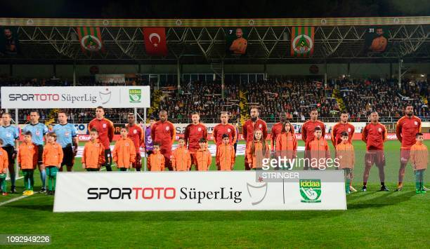 Gatasaray players pose for a team photo during the Turkish Super Lig football match between Aytemiz Alanyaspor and Galatasaray at Bahcesehir Okullari...