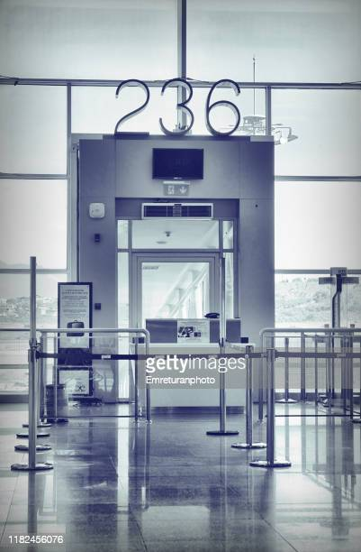 gate no.236 in airport in black and white. - emreturanphoto stock pictures, royalty-free photos & images