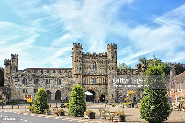gatehouse and courthouse of battle abbey - abby road stock photos and pictures