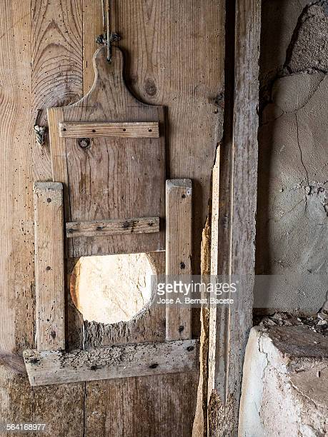 Gatera an old wooden door