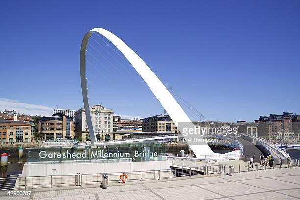 Gateshead Millennium Bridge, Newcastle on Tyne, Tyne and Wear, England