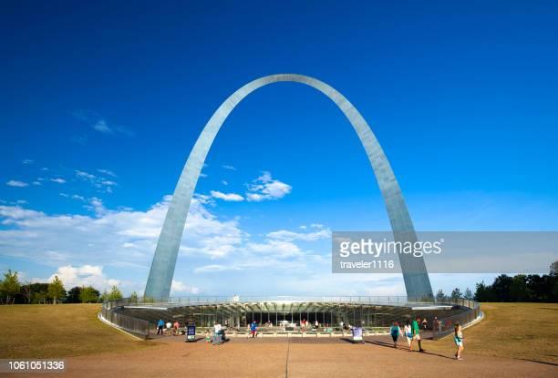 ミズーリ州セントルイスのゲートウェイ ・ アーチ - ゲートウェイアーチ ストックフォトと画像