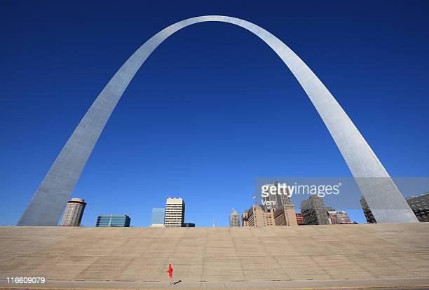 ゲートウェイアーチやセントルイス、ミズーリ州 - ゲートウェイアーチ ストックフォトと画像