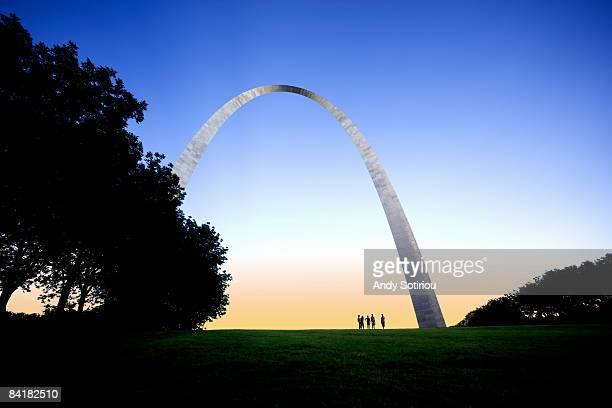 gateway arch, st.louis, missouri, usa  - ゲートウェイアーチ ストックフォトと画像
