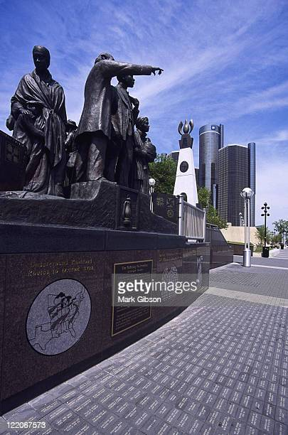 gateway to freedom memorial, hart plaza - freedom plaza stock pictures, royalty-free photos & images