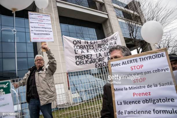 Gathering of the thyroid patients in front of the ANSM in Lyon on January 27 2018 Patients complain of numerous side effects since the change of...